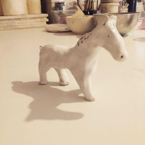 Petit cheval blanc ©louisemezel